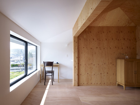 Belly-House-by-Tomohiro-Hata-Architect-and-Associates-10