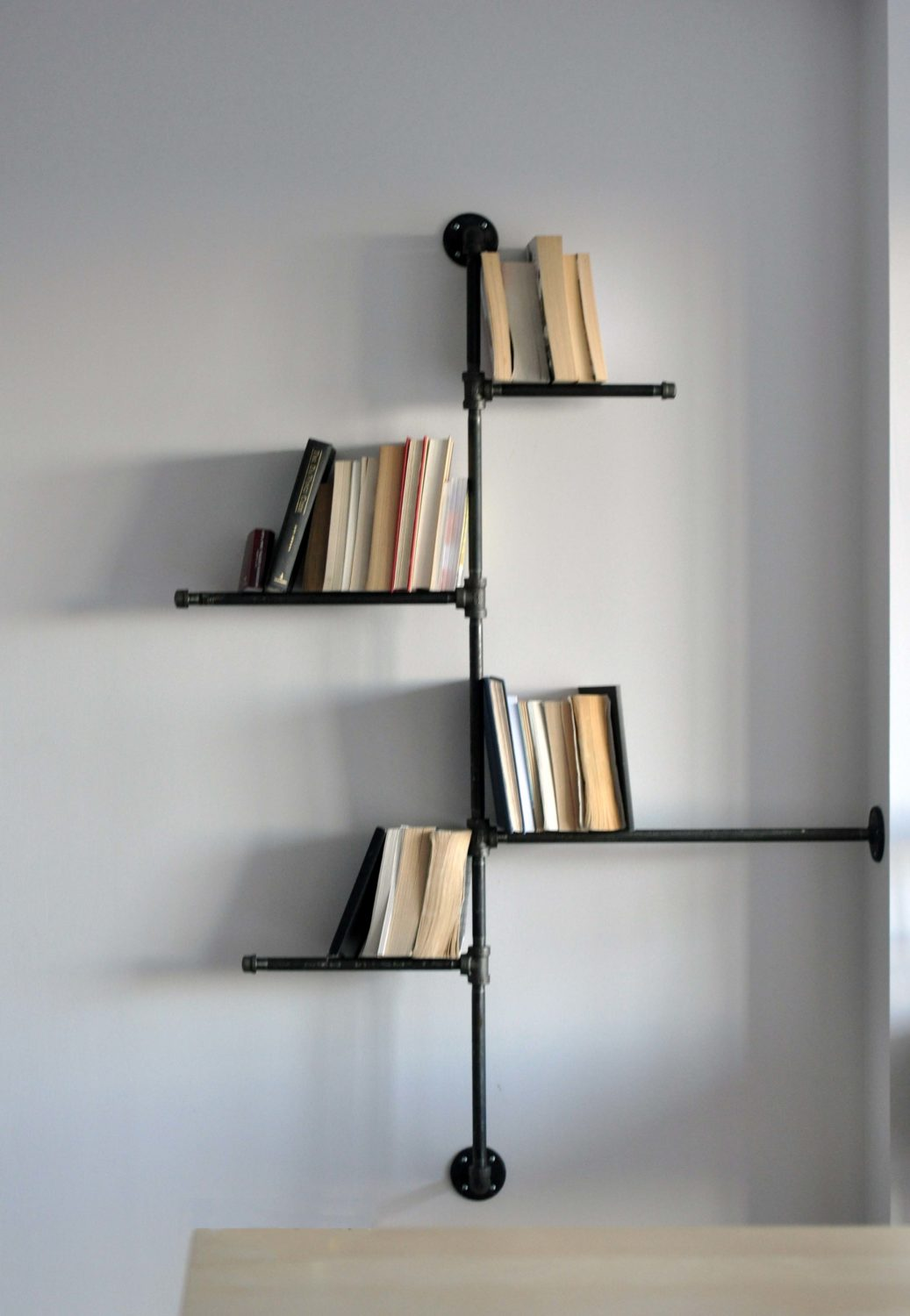 DIY Pipe Bookshelf 2776 x 4016