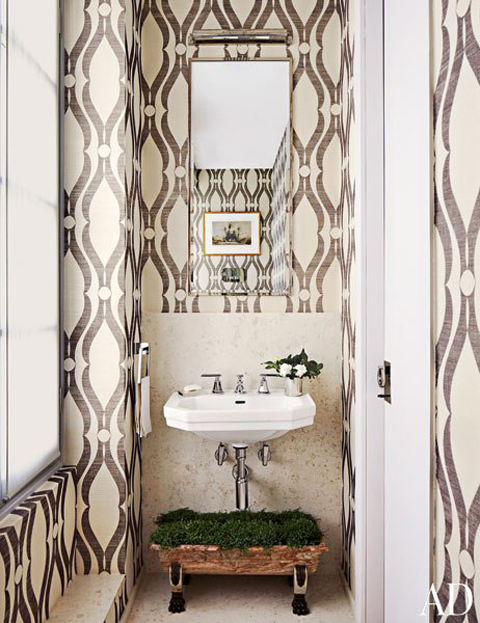 1-lark-linen-wallpaper-bathroom