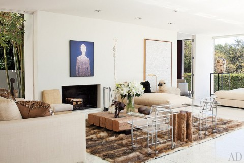 item3.rendition.slideshowWideHorizontal.daniel-romualdez-los-angeles-home-04-living-room