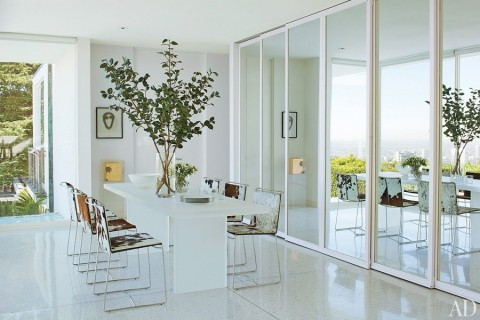 item8.rendition.slideshowWideHorizontal.daniel-romualdez-los-angeles-home-09-dining-room