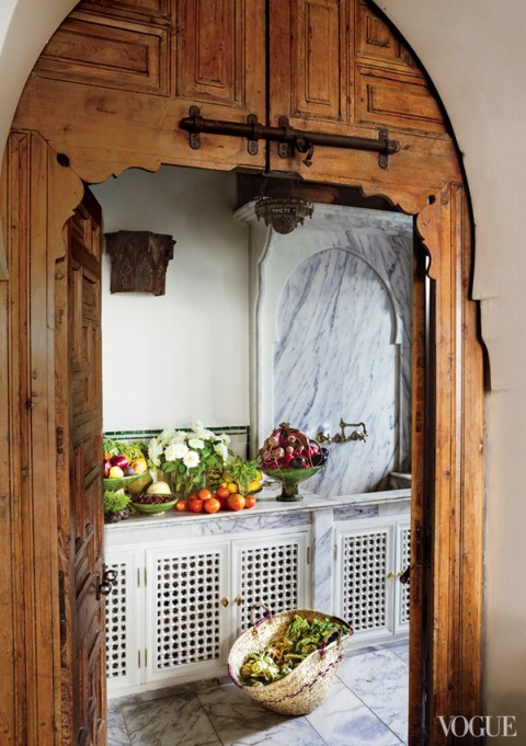 Bruno-Frisoni-Vogue-Moroccan-home-kitchen-fretted-wood-doors