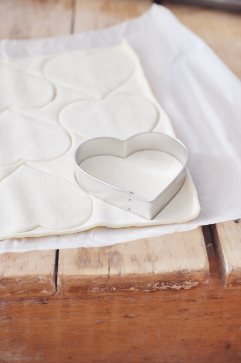 Heart-Shaped-Apple-Hand-Pies_2