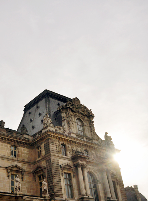 sunrise-at-the-louvre