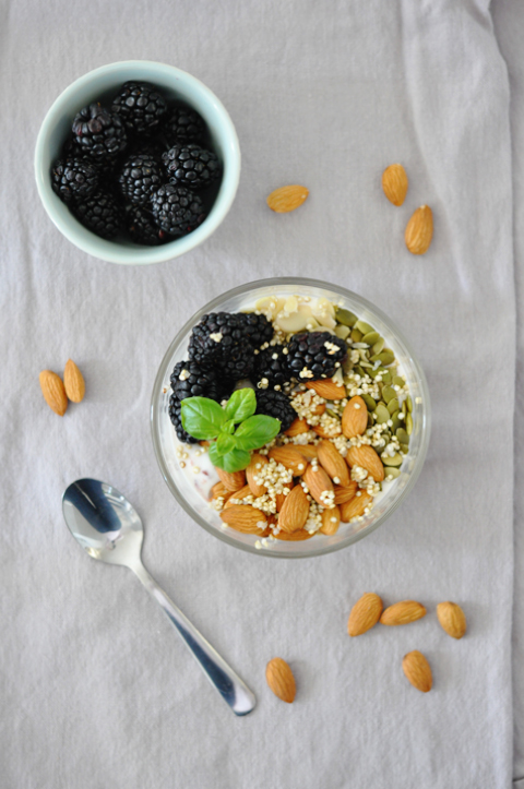 healthy-quinoa-breakfast-bowl_2