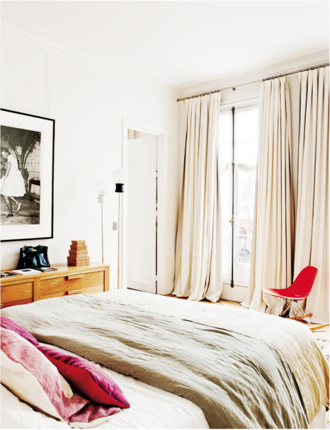 paris apartment_bedroom