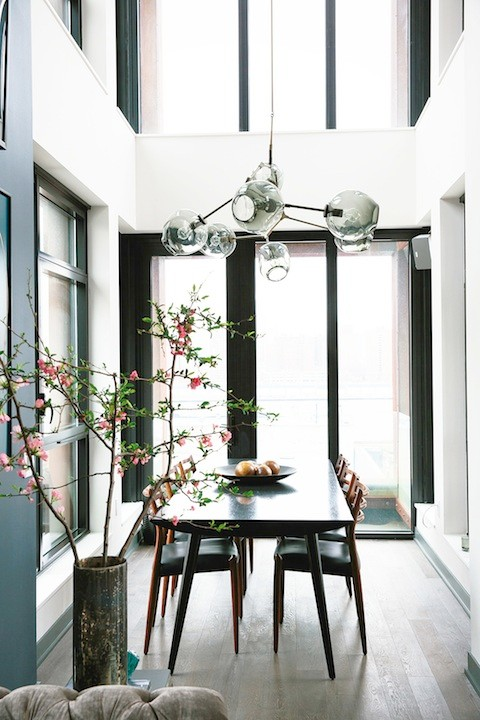 Athena Calderone's home | amazing dining room flooded with light