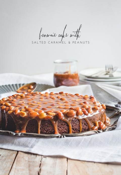 Brownie cake with salted caramel peanut sauce