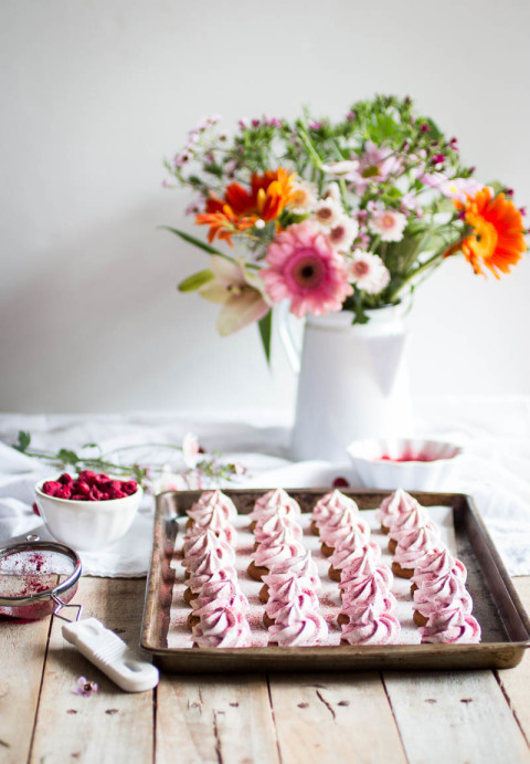 Raspberry lemon meringues