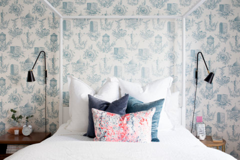 Toile wallpaper with a modern twist