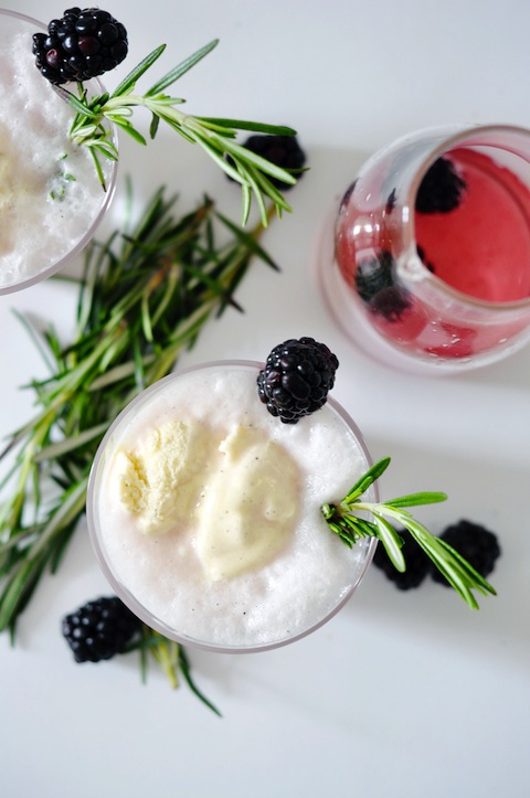 Blackberry-Gin-Cocktail-Float_5