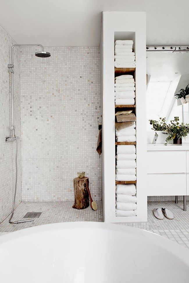 towel storage - Bathroom Inspiration