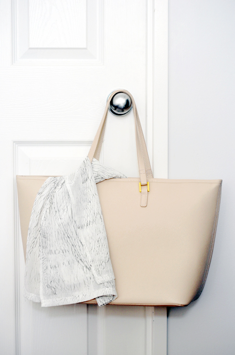 The perfect blush beach bag