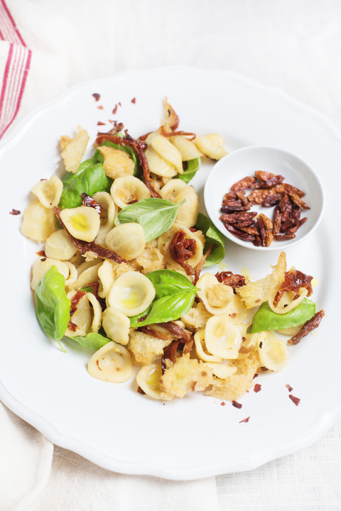 Easy weeknight meal: sundried tomato pasta