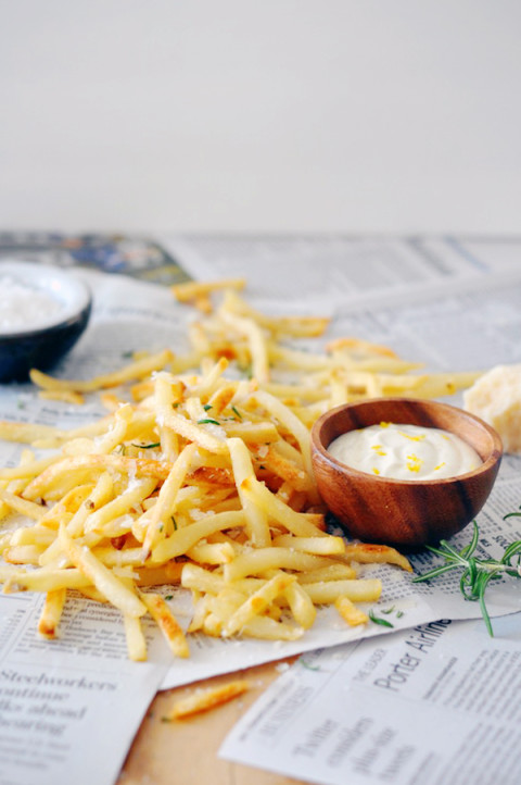 parmesan fries recipe (with truffle aioli)
