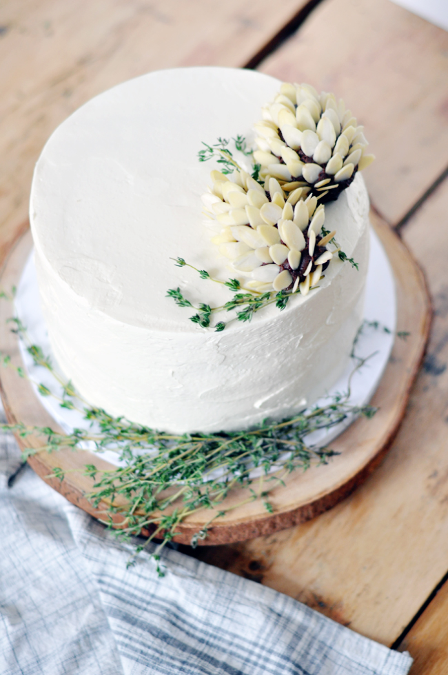 How To Make Icing Decorations For Christmas Cake