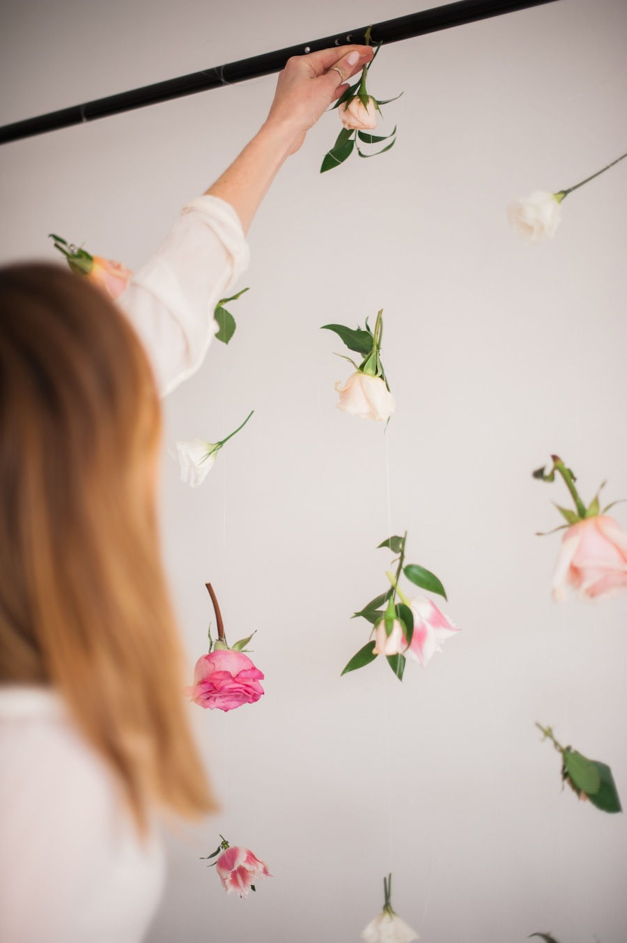 How to make a floating flower wall