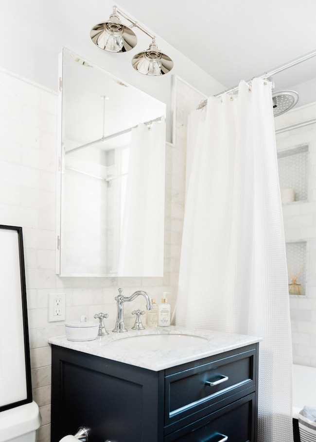 modern trad bathroom
