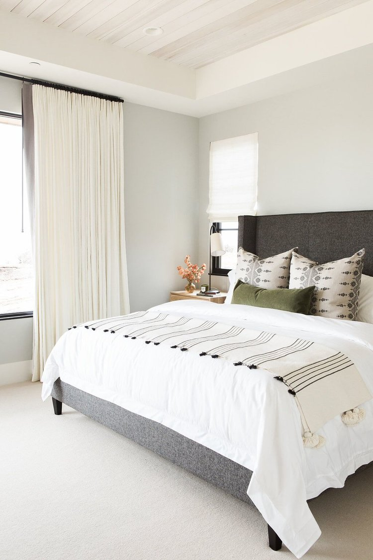 Mountain home perfection lark linen for Carpeted bedroom ideas